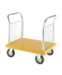 Chariot à plateforme en acier inoxydable avec deux panneau en treillis.